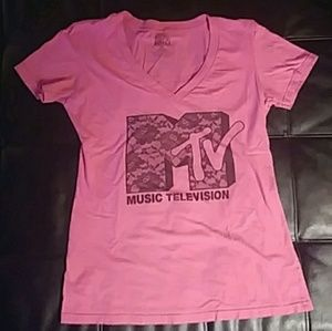 Form Fitting MTV Graphic Tee